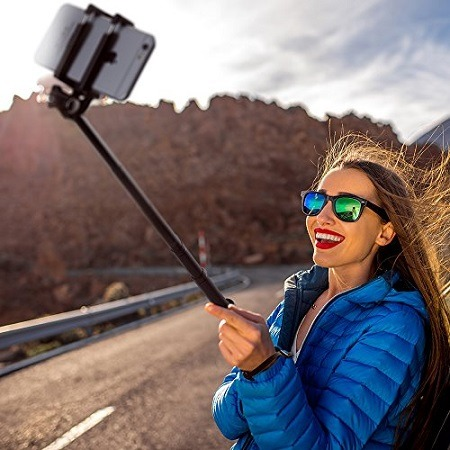 TaoTronics Bluetooth Selfie Stick with Built-in Remote